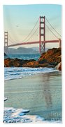 Classic - World Famous Golden Gate Bridge With A Scenic Beach And Birds. Bath Towel