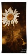 Delicate Daisy Hand Towel