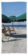 Green Beach Umbrellas Bath Towel