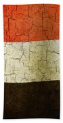 Grunge Yemen Flag Bath Towel