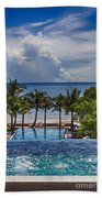 Holiday Resort With Jacuzzi And Pool Bath Towel