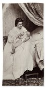 Jonghe: Young Mother Bath Towel