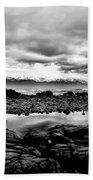 Kaikoura Coast New Zealand In Black And White Bath Towel