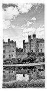 Leeds Castle Black And White Bath Towel