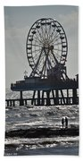 Lovers And A Surfer At Pleasure Pier Bath Towel