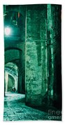 Night Alley In Old City Of Siena Tuscany Italy Bath Towel