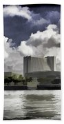 Oil Painting - Buildings Along The Waterfront In Singapore Bath Towel