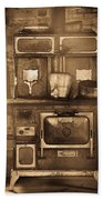 Old Country Stove Bath Towel
