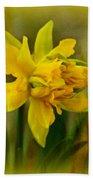 Old Fashioned Daffodil Bath Towel