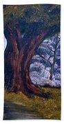 Old Oak Tree Bath Towel