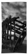 Peter Iredale Shipwreck Black And White Bath Towel