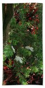 Red And Green Foliage Bath Towel