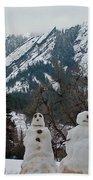 Flatiron Snowmen. Bath Towel
