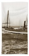 steam-schooner Elizabeth circa 1914 Bath Towel