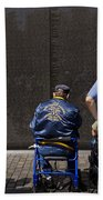 Vietnam Veterans Paying Respect To Fallen Soldiers At The Vietnam War Memorial Bath Towel
