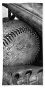 Vintage Baseball And Glove Bath Towel