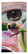White Tailed Bumble Bee Upon Lily Flower Bath Towel