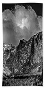Yosemite Valley From Tunnel Bath Towel