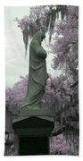 Ziba King Memorial Statue Side View Florida Usa Near Infrared Gr Bath Towel