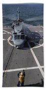 An Sh-60b Sea Hawk Lands On The Flight Bath Towel