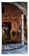 Back Alley In Leon Bath Towel