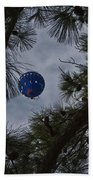 Balloon In The Pines Bath Towel