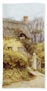 Cottage Near Freshwater  Bath Towel