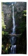 Enjoying Multnomah Falls Bath Towel