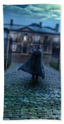 Man In Top Hat And Cape On Cobblestone Street Bath Towel
