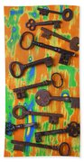 Old Rusty Keys Bath Towel