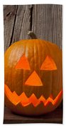 Pumpkin With Wicked Smile Bath Towel