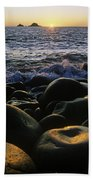 Rocks At The Coast, Giants Causeway Bath Towel