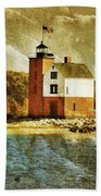 Round Island Lighthouse Bath Towel