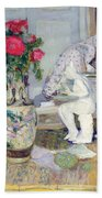 Statuette By Maillol And Red Roses Bath Towel