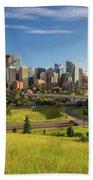 City Skyline Of Calgary, Canada Bath Towel