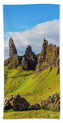Old Man Of Storr, Isle Of Skye, Scotland Bath Towel