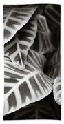 Black And White Leaves Bath Towel