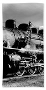 Black And White Of An Old Steam Engine  Bath Towel