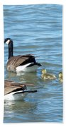 Canadian Geese Family Vacation Bath Towel
