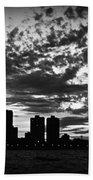 Chicago Skyline At Dusk Bath Towel