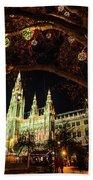 Christmas Market At The Vienna City Hall Bath Towel