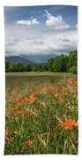 Field Of Orange Daylilies Bath Towel