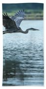 Great Blue Heron Flying Bath Towel