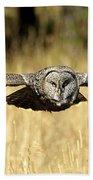 Great Gray Owl In Flight Bath Towel
