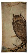 Great Horned Owl With Textures Bath Towel