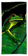 Green Tree Frog And Leaf Bath Towel