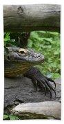 Komodo Dragon Creeping Through Two Fallen Logs Bath Towel