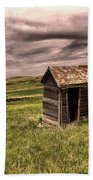 Old Outhouses Bath Towel