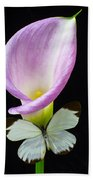 Pink Calla Lily With White Butterfly Bath Towel
