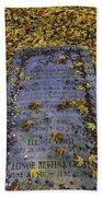 Robert Frosts Grave Bath Towel
